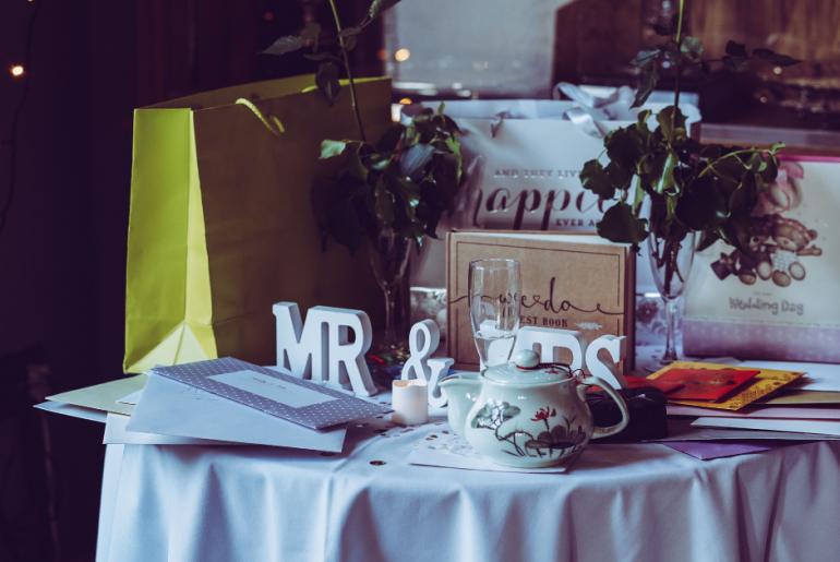 8 Online Sites To Find Cheap Wedding Supplies