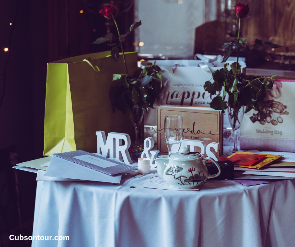 8 Online Sites To Find Cheap Wedding Supplies