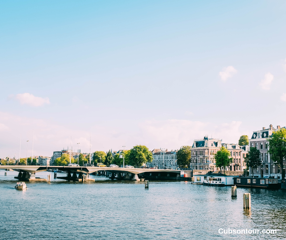 10 Reasons To Visit Amsterdam